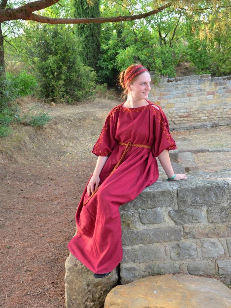Römerin sitzend gimp 700