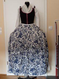 petticoat-breit-vorne